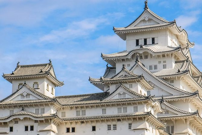 Located 1-2 hours from Kyoto and Osaka, Himeji has 2 major spots symbolizing Japanese culture. That is Himeji Castle, Japan's first world heritage site, and Yamadera/Enkyoji with a history of more than 1000 years. If you come to Japan and Kansai, this is a not to miss!<br>Himeji Castle, feel the history of Samurai and see the remains from the war. Don't forget to admire the castle from the outside too!<br>Next is Enkyoji, a traditional temple, a cultural property designated by the country. The municipal hall, large auditorium, and dining hall are all spiritual places with a harsh atmosphere. It has been used as a Hollywood location set. If you spend enough time here, you may reach enlightenment.
