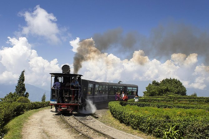 On this 7 day Eastern Himalaya tour visit Darjeeling, Pelling, Gangtok & Kalimpong. Marvel at the breathtaking view of sunrise at Tiger Hill, go for a ride on Darjeeling Himalayan Railway (Toy Train) and visit Happy Valley Tea Estate. In addition, seek blessings at Enchey Monastery. It is a prominent hub for Buddhist culture and religion and a hotspot for shoppers, lovers, diners and fashionistas. A walk through the meandering roads can enable one to learn everything about this slice of paradise.