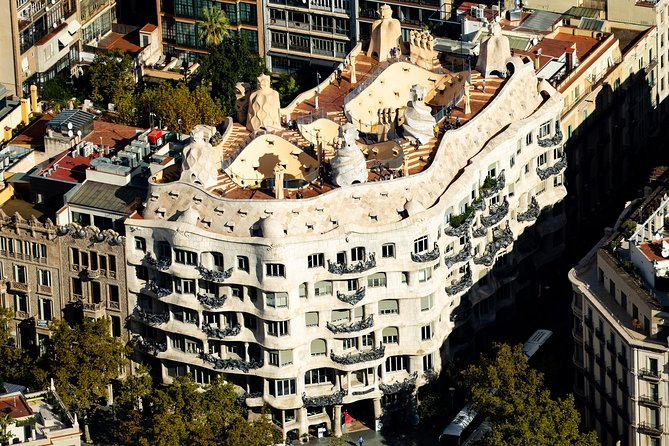 Do not miss this unique tour and be the first to visit La Pedrera-Casa Milà. Enjoy an amazing guided tour through the building before it opens to the public in a small group. <br><br>Contemplate the nature of one of Gaudi's modernist masterpieces with a guide and take crowd-free photographs until 9am. The UNESCO-listed La Pedrera boasts extravagant features that demand attention: marvel at dramatic staircases and elaborately decorated columns. This small-grouptour, limited to 15 people, includes coffee or drink at the end of the tour at El Café de La Pedrera. <br><br>Did you know that Casa Milà is also a Foundation? Catalunya La Pedrera Foundation serves society to build a better and fairer future within a framework of direct quality, excellence and innovation. The Foundation enable more than 500.000 people to have a better and fairer future.