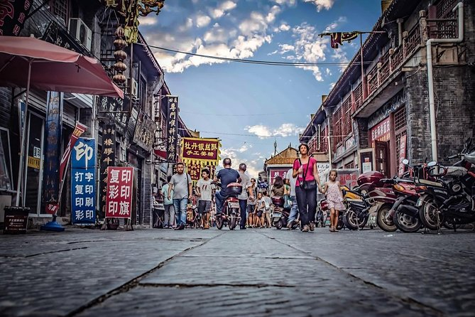 MÁS FOTOS, Private Walking Tour of Luoyang Ancient Culture Street and Luoyi Old Town