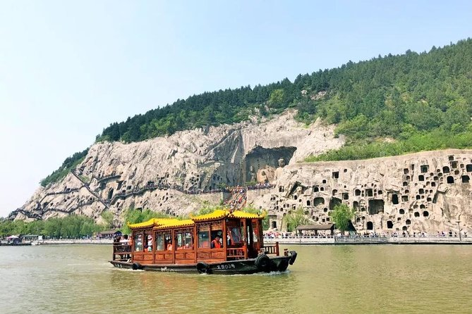MÁS FOTOS, Luoyang Private Day Tour: Longmen Grottoes and Ancient Culture Street with Boat Ride