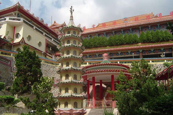 The Private Tour in Penang.<br><br>Penang Excursion – Cruise Ship from George Town George Town –<br> UNESCO World Heritage City<br><br>Penangis a delightful fusion of nature, culture and history. Penang's vibrant capital city, George Town, was awarded UNESCO World Heritage City Site in 2008, the lively capital of Penang has over 200 years of history and cultural heritage under its belt. Aside from being a heritage capital, George Town is also a renowned food capital.