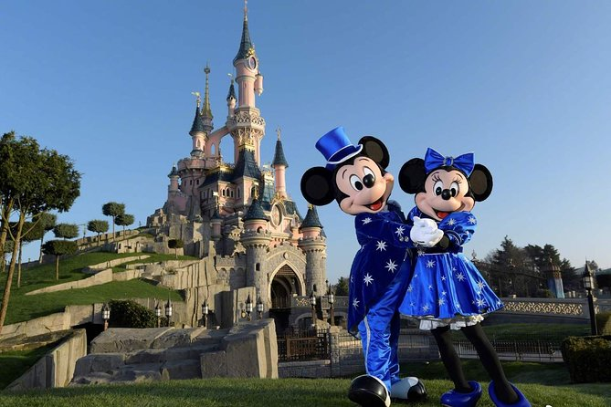 Private Airport Transfer Disneyland to Paris Charles de Gaulle (CDG)- Minivan, Marne-la-Vallee, FRANCIA