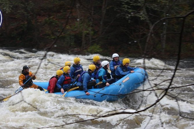 White Water Rafting on the River Tay from Aberfeldy, Aberfeldy, Escócia