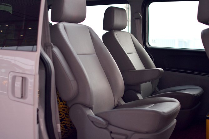 Private Arrival Transfer: Guilin International Airport (KWL) to Downtown Hotel, Guilin, CHINA