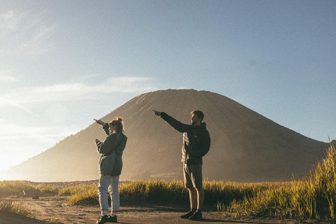Mount Bromo Sunrise Tour from Surabaya or Malang - Midnight Departure, Surabaya, Indonésia
