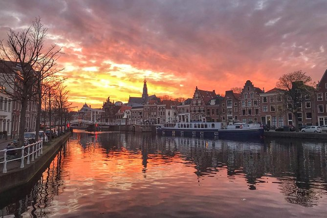 My passion for Haarlem will shine through as we take a relaxed walk around town. I'm sure you will leave smiling and falling in love with this exquisite city. This is where the magic happens and memories are made.<br><br>I would love to welcome you to my place so we can meet. I'll show you all the most photogenic spots so that you can leave with some amazing photos of this stunning city. In 2 hours my Photographic Walking Tour will show you a nice blend of cultural and historic monuments with a focus on showing the most photogenic corners of town. We will walk around the city and learn about the trials and triumphs that built this bewitching city. Highlights include the Grote Kerk, Adriaan mill, and Spaarne River.<br><br>After our tour you are invited to join me at a rooftop bar for a drink where you will be free to look through and admire your photos. <br><br>Are you coming?<br>