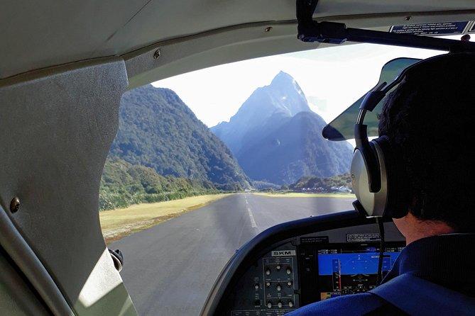Escapada de un día a Milford Sound desde Queenstown en autobús, Crucero y vuelo, Queenstown, NUEVA ZELANDIA