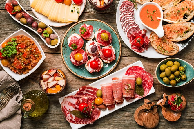 POSSIBLE TASTINGS<br><br>Pescaito frito - A mix of different types of fish.<br><br>Jamón Ibérico - Typical Spanish ham<br><br>Flautitas de pollo con guacamole - Small wrap with chicken and avocado<br><br>Croquetas caseras de jamón - Croquettes are cooked with bechamel sauce <br><br>Carne en tomate - delicious meat in typical tomato sauce<br><br>Homemade ice cream, produced by a local ice cream factory<br>