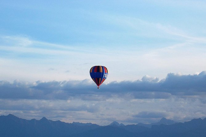 Provence Hot-Air Balloon Ride from Forcalquier, Moustiers-Sainte-Marie, FRANCIA