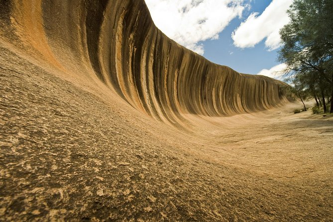 Journey through the Western Australian Wheatbelt region to Wave Rock, one of Australia's most incredible natural monuments. Visit the historic township of York and view other significant historical and geological attractions of the area.
