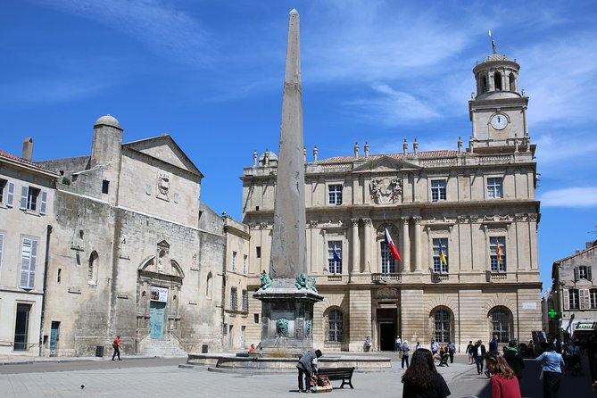 Classic old town Arles from Romans to Vincent Van Gogh - half day private tour, Arles, França