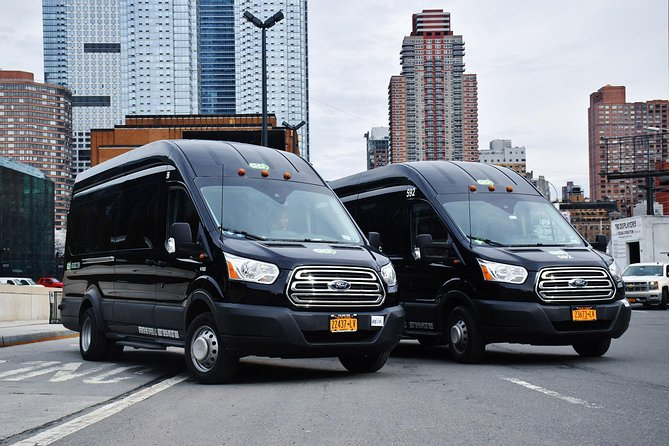Make your connecting flight between New York airports hassle free with a convenient private transfer. Ensure peace of mind with a private transfer from your arrival airport — JFK International Airport, LaGuardia Airport, or Newark Liberty International Airport directly to the airport where your flight departs.