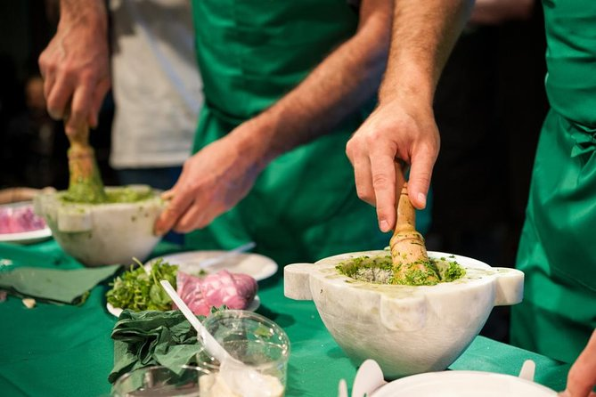Learn the Pesto authentic recipe. Improve your cooking skills with a friendly local chef. Enjoy the pesto tasting in a convivial atmosphere.