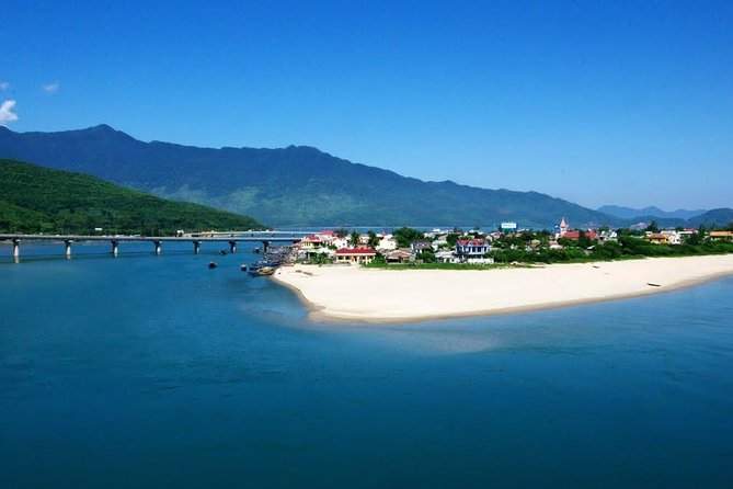 Hue to Hoi An or Hoi An to Hue Transfer with sightseeing on the way, Hue, VIETNAM