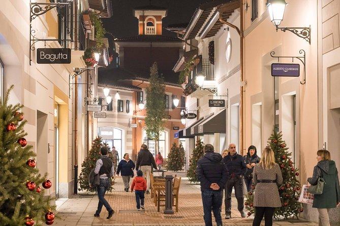 Recorrido por las tiendas de Serravalle, Milan, ITALIA