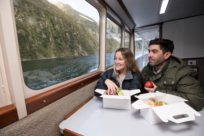 Milford Sound Tour and Scenic Cruise from Queenstown Including Lunch, Queenstown, New Zealand