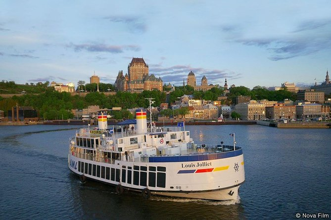 Quebec City Gourmet Dinner Cruise with Circus Performance, Quebec, CANADA
