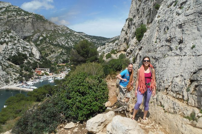 Come live a unique experience. You will climb with magnificent views of the sea and the Calanques National Park.