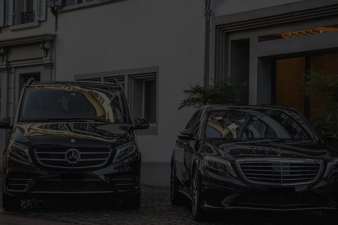 Our services are focused on the quality of the trip and satisfaction of the customers. We provide a friendly service with a professional driver.