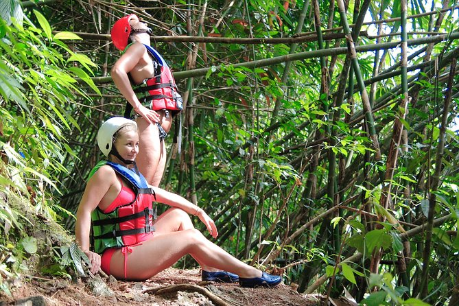 Jungle Trekking to Waterfall and Adventure Tubing 45 min. (Only Khao lak), Khao Lak, Tailândia
