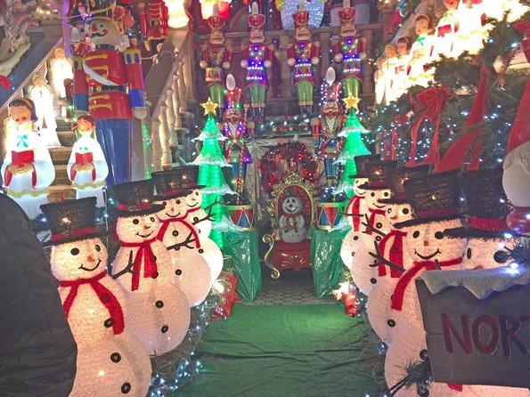 MÁS FOTOS, Brooklyn Christmas Lights Walking Tour at Dyker Heights
