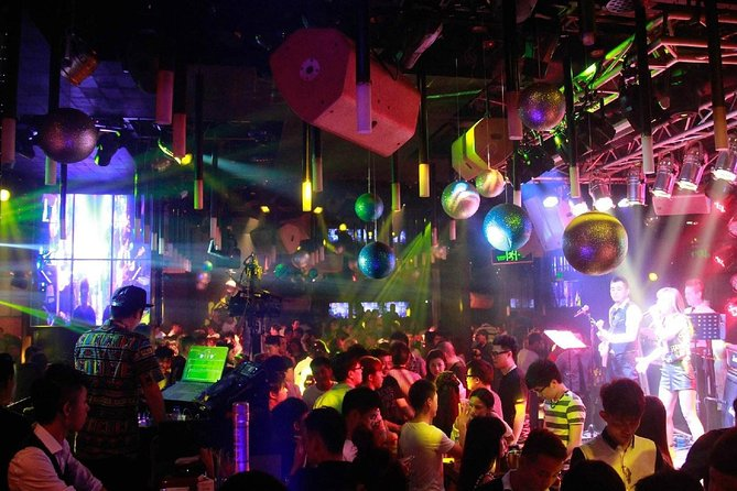 Do you want to go out for a beer at night in Shenzhen? Do you have any ideas where to go? NO need to worry about this if you book the local expert with you.<br><br>Hope you are doing well! I am an enthusiastic, professional and experienced tour guide/driver. I have been serving my customers from all over the world for more than 8 years and I enjoy doing this job as much as I did from day one. Being very fluent and eloquent in both English and Chinese, I am able to enhance communications and solve problems for customers so that they can have an effective and enjoyable trip in China no matter it's for business or tourism. I always get positive feedbacks for my service because I sincerely care about each of my clients and have always been responsible for them and their business.