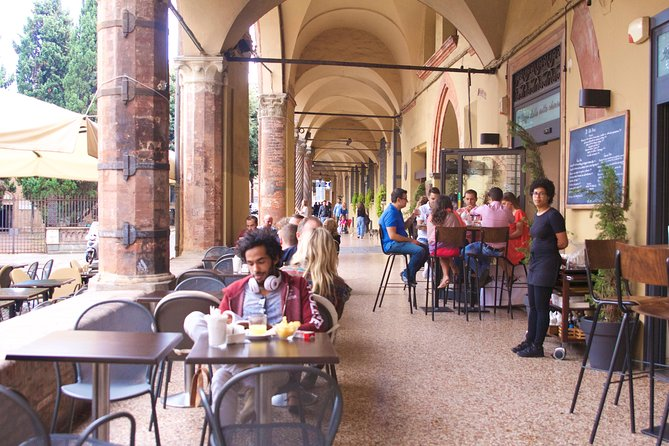 Kickstart Your Trip To Bologna With A Local: Private & Personalized, Bolonia, Itália