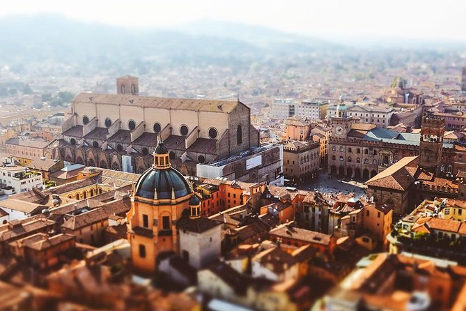 A Half Day In Bologna With A Local: Private & Personalized, Bolonia, ITALIA
