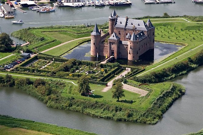 Kinderdijk & Amsterdam Muiderslot Castle - Private Tour incl regional pick-up, ,