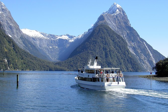 This full-day Milford Sound extraordinaire tour from Te Anau will have you traveling along the spectacular Milford Road. With fun commentary and plenty of local knowledge provided you will have a chance to seekeas, seals, dolphinsand theFiordland crested penguin.<br><br>Visit the historicalGunns Campand enjoy anamazing morning teathat includes wonderful date scones, tea, coffee and biscuits, chocolates and fruit juice. Experience an amazing 20-minute walk to the Chasm.<br><br>You will have the chance to do the most spectacular 30-minute walk to Milford Sound. It is the Marian Cascadewhich is a continuous cascading waterfall draining from a glacier fed lake. Your day will be topped off with a 2-hour cruise on the famous Milford Sound.