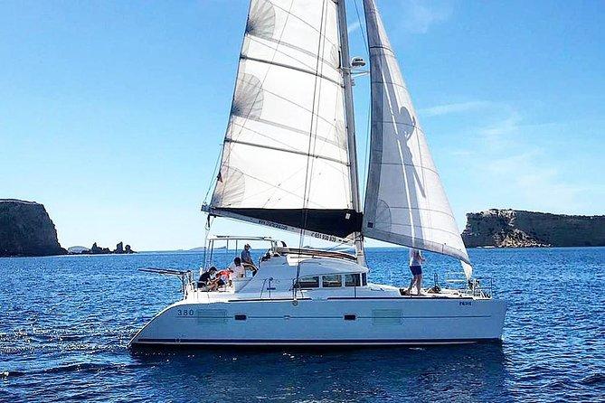 Cala Bassa Catamaran Private Excursion, Ibiza, ESPAÑA