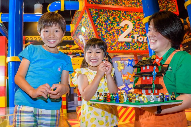 Learn about, see, and experience how much fun LEGO® bricks can be in this theme park filled with hands-on attractions!<br><br>The LEGOLAND® Discovery Center Tokyo is an indoor LEGO® theme park where visitors are surrounded by over 3 million LEGO® bricks.