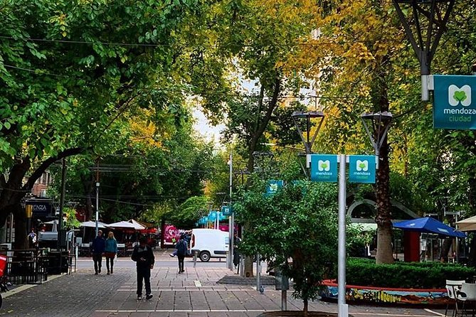 Walking City Tour, Mendoza, ARGENTINA