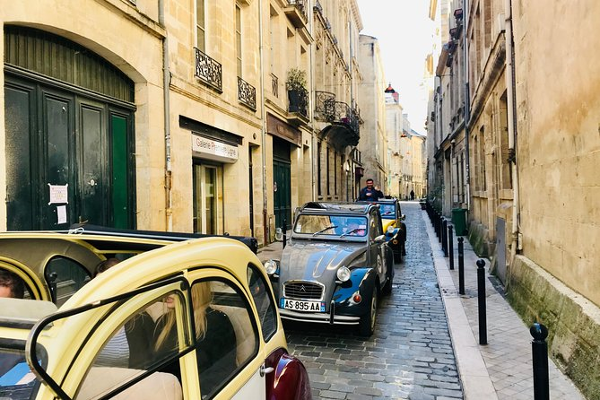 Bordeaux City Sightseeing Citroën 2CV Classic Car Private Guided Tour, Bordeaux, FRANCIA