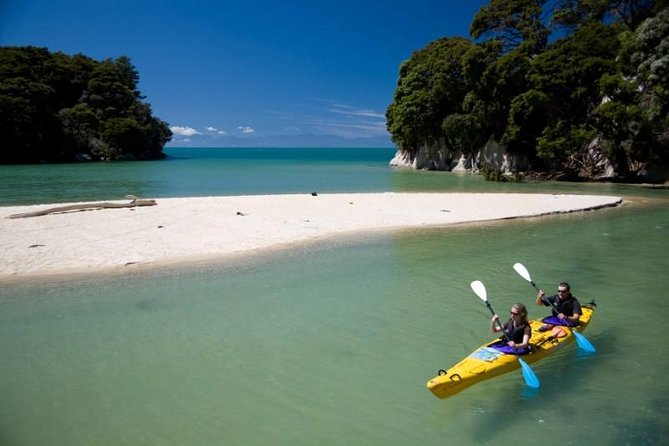 Freedom kayaking Abel Tasman gives you the independence to see the wonders of the coastline at your own pace. Kahu Kayaks will equip you with everything you need to have an enjoyable and safe sea kayaking experience, NOTE: for two or more people, Double Kayaks used unless group has uneven number