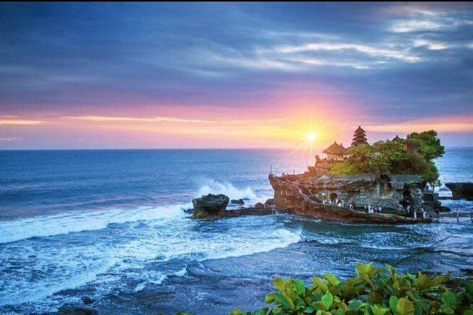 Experience the best sunset view in Tanah Lot temple, enjoy pick up & drop off direct from all hotel located in surrounding area Seminyak - Kuta -Canggu - Kerobokan. Presented by professional tour driver on air conditioner vehicle with Free WiFi. Itinerary also tailored with visit scenic of Royal Taman Ayun Temple, visit coffee plantation and local lunch as optional at the west coast of Bali.