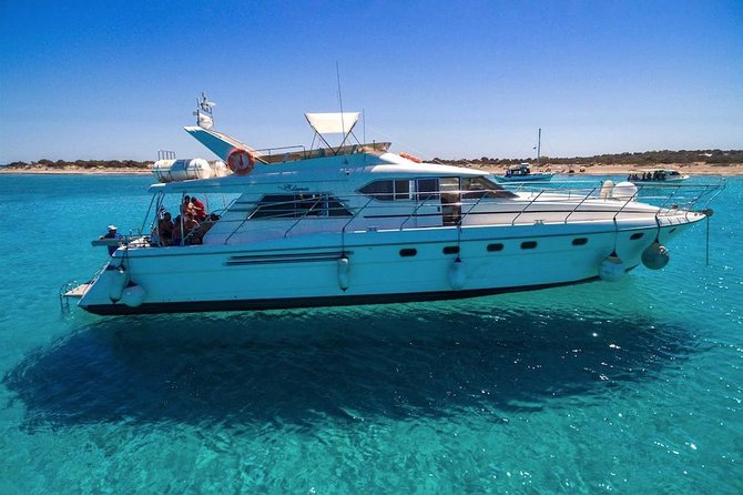 This is an amazing experience Using the luxury land Rover Discovery for transfer to the harbor. You will travel with luxury speed Motor Yacht to Chrissi Island.<br><br>The little paradise island . The Southern most sopt in Europe