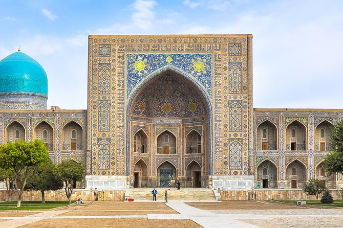 Excellent opportunity for travelers to explore Samarkand. If you are currently in Tashkent and you don't have enough time to explore Samarkand. This one day tour helps you to explore the world's cultural and historical heritage and gives you the best travel experience. Depart from your hotel in Tashkent and catch a high-speed train to Samarkand. In the company of your guide and driver, set out to see the city. Visit Gur-Emir Mausoleum, Registan Square, Bibi Khanum Mosque, Shah-i-Zinda necropolis, and Ulugbek Observatory. At the end of the day, return to Tashkent on the train.<br>