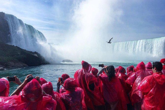 Niagara Falls and Niagara on the Lake All Inclusive Luxury Bus Day Tour, Toronto, CANADA