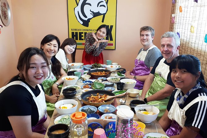 Korean Cooking Class with Full-Course Meal & Local Market Tour, Seul, COREIA DO SUL