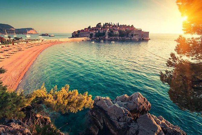 This short shore tour will give you the opportunity to see the diversity of the Montenegrin coast, in only 4 hours. The tour includes a short panoramic drive and break for taking photos above the  Kotor Bay, the photo stops above  Jaz Beach and  St.Stephan island, then visit the  Old Town of Budva for a walking tour and visiting Richard's head beach by the town's walls. After this, we go back to Kotor Old Town where we will organize the walking tour and end our trip.