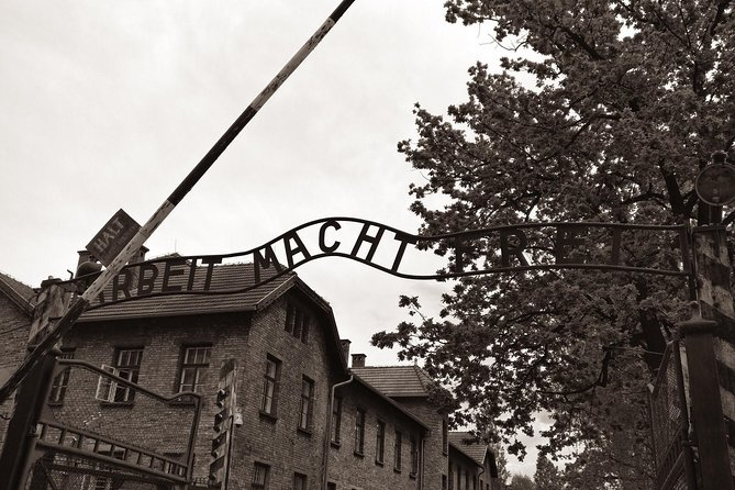 From Krakow: Aushwitz - Birkenau Museum Private Transport, Oswiecim, POLÔNIA