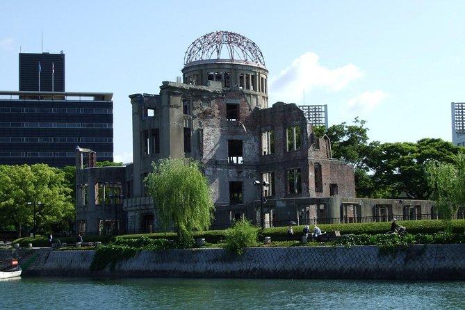 Hiroshima local food & Peace Memorial Park one-day walking tour, Hiroshima, JAPAN