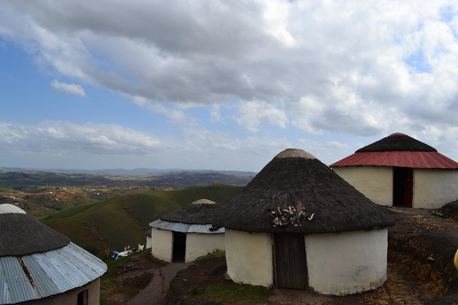 Enjoy an incredible day at the Valley of a Thousand Hills, with spectacular views and an epic cultural experience. Walk around a traditional Zulu homestead, before enjoying an awesome dance show. Lastly a trip around the reptile park, rounds off a fun filled day.