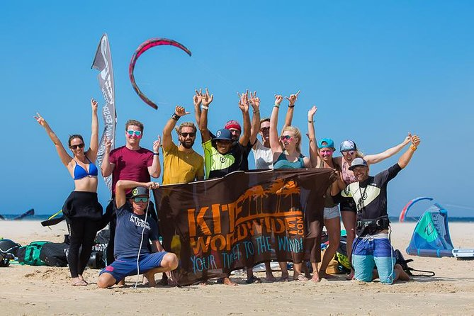 A kitesurflesson with Explora Watersports will change your life.<br>You will learn in a short period of time how to handle a kite, get pulled through the water and play with the elements wind & water.<br>