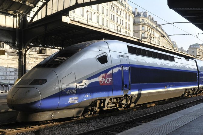 This tour includes a round trip TGV train ticket from Paris. Do not spend hours in a bus in traffic.Visit the famous castles: Chambord, the Clos Lucé; Leonardo Da Vinci last home, and the castle of Amboise with a local guide and taste the delicate wines of the region. Everything is included: round trip train tickets from Paris, Loire Valley transportation, tour guide, castle entrances, coffee and croissants at your arrival in Vendôme. ,gourmet lunch. You will also meet a winemaker and taste his or her wine.You are returned to the train station of Vendôme in the early evening and will be back in Paris in 42 minutes.This is a small group, limited to 6 persons max. Read more about this special one day Loire Valley experience!