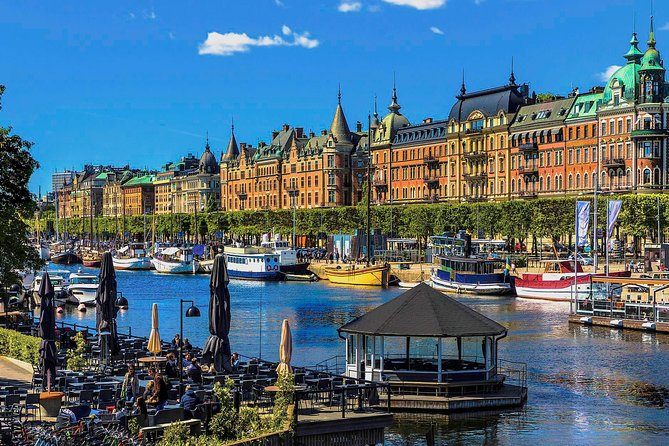 Stockholm City Tour with Drottningholm by Private car with guide, Estocolmo, Sweden