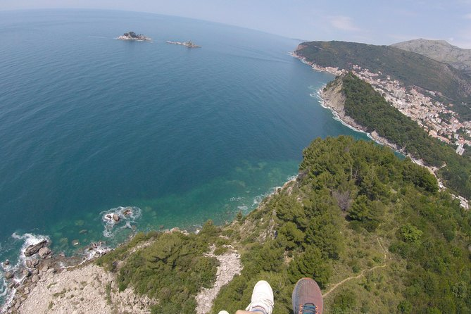 Petrovac this magnificent place for paragliding is away from city bustle and noisy construction.<br>Here is a fragrant mountain forest filled with flowers and only birds singing and sounds of wild nature.<br>Paragliding in Petrovac is an opportunity to immerse yourself in silence, calmness. And in the company of eagles to experience paragliding, to get a charge of excellent mood and unforgettable impressions. Also it's a great option to continue your journey and see new places in Montenegro.