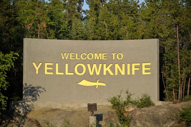 Yellowknife's best city tour! See the Old Town district of Yellowknife and its historic site, tour the downtown area where we'll show you the restaurants and souvenir stores and then visit the modern south side of the city to see how this pioneer town has grown. Includes pick-up & drop-off, FREE photos.